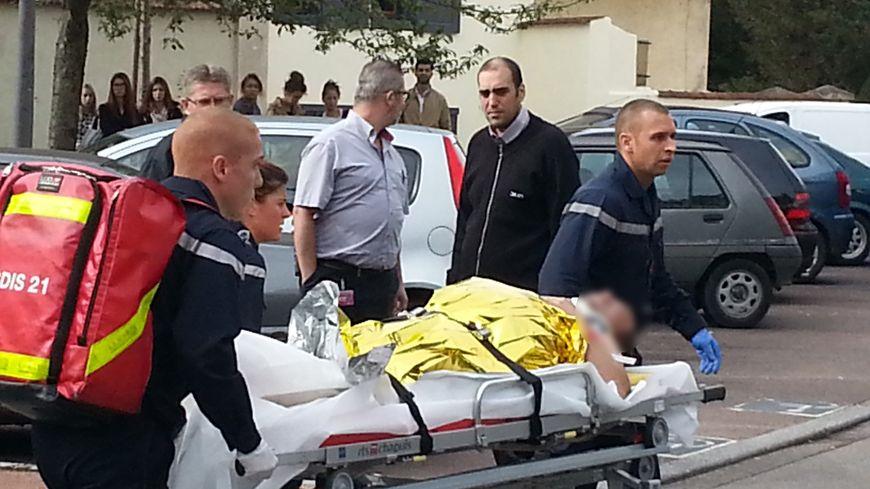 L'explosion a eu lieu vers 9h30, rue Palliot, à Dijon, dans un immeuble de deux étages.