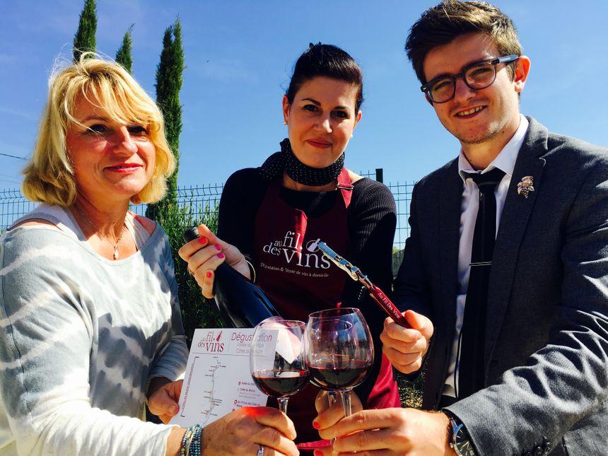 A gauche l'hôte , au centre la conseillère et Loïc Argento l'un des co-fondateurs D'Au Fil des Vins