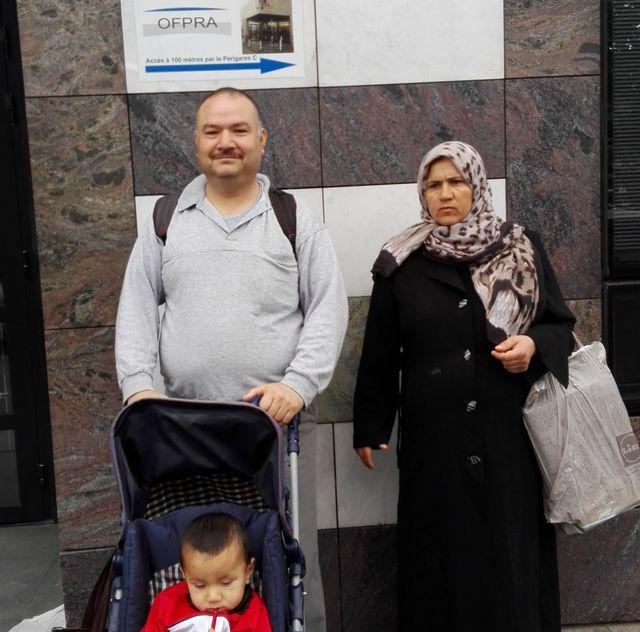 La famille Sedequey arrive à l'OFPRA