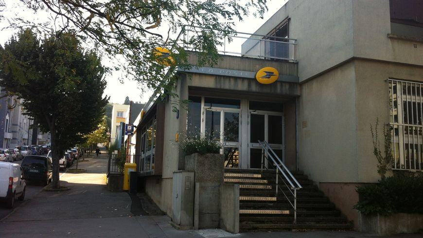 Le bureau de Poste de Solaure menacé de fermeture