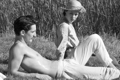 "Pierre Niney et Paula Beer dans ""Frantz"", ©Mars Films Mandarin"