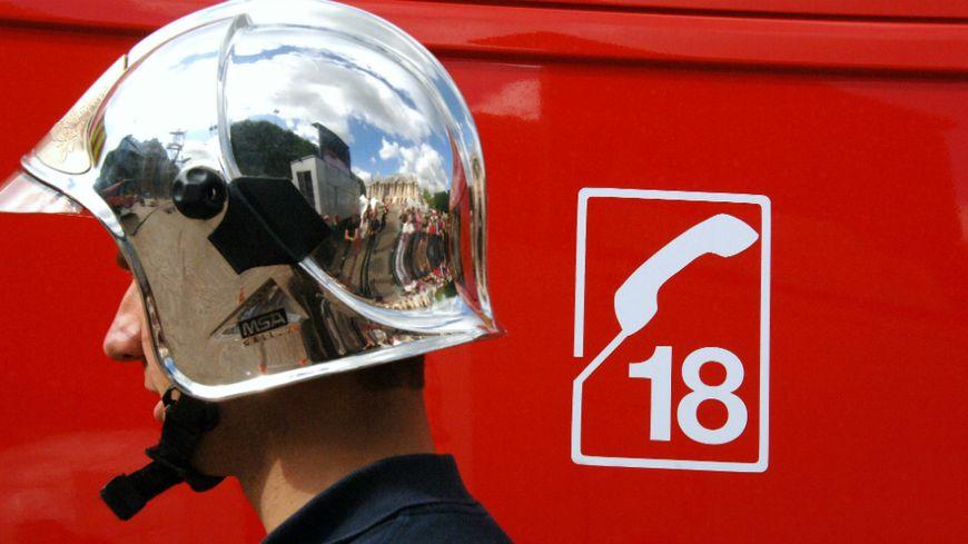 Véhicule de secours des pompiers (illustration)