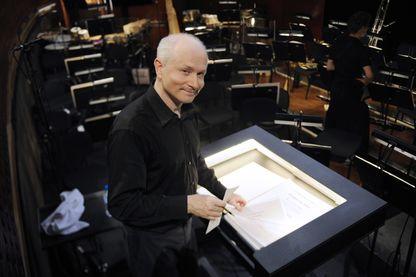 """Le compositeur britannique George Benjamin, le 4 Juillet 2012 au Grand Théâtre de Provence à Aix-en-Provence, après une répétition de son opéra """"Written On Skin""""."""