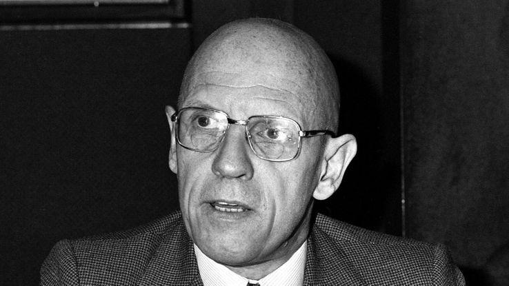 Michel Foucault dans les studios d'Europe 1, le 16 décembre 1981.