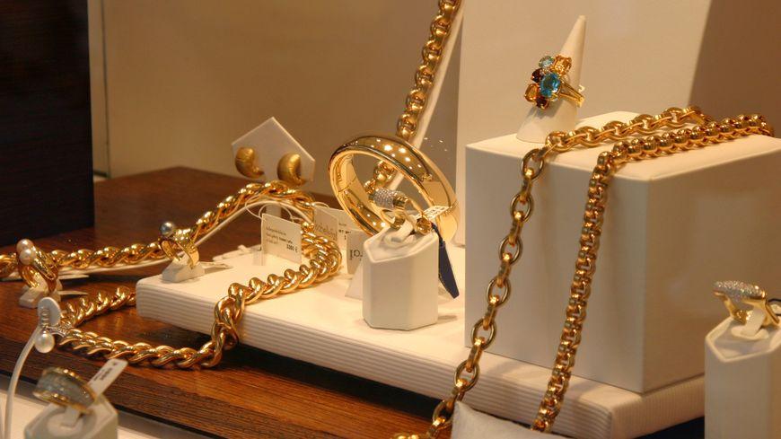 Les braqueurs avaient emporté environ 100 000 euros de bijoux