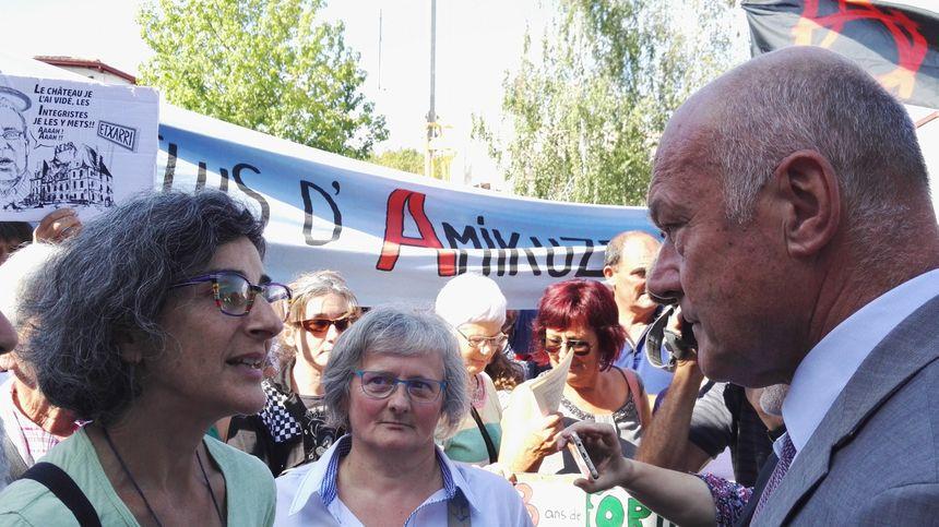 Alain Rousset, président de la nouvelle Aquitaine, à la rencontre des opposants