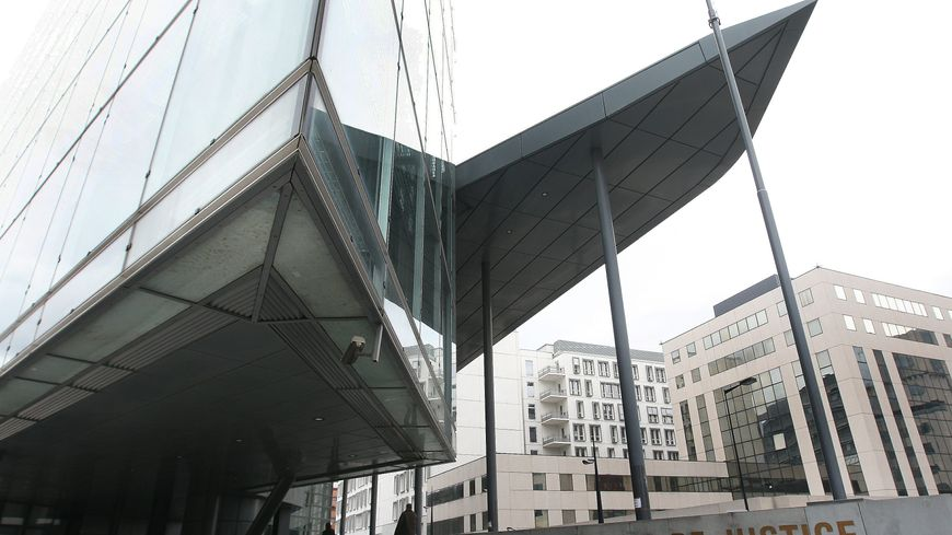 Le tribunal de Grenoble a demandé du temps pour examiner le dossier d'Ilies M.