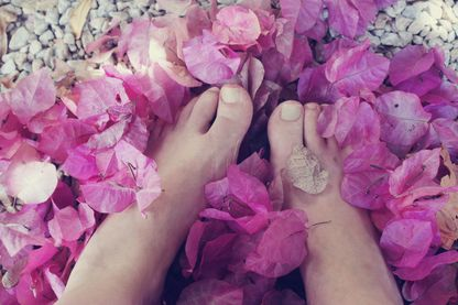 Les pieds dans les fleurs