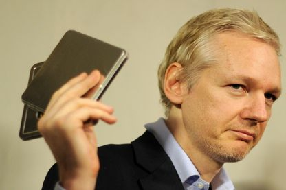 Julian Assange pendant une conférence de presse à Londres , le 17 Janvier 2011.