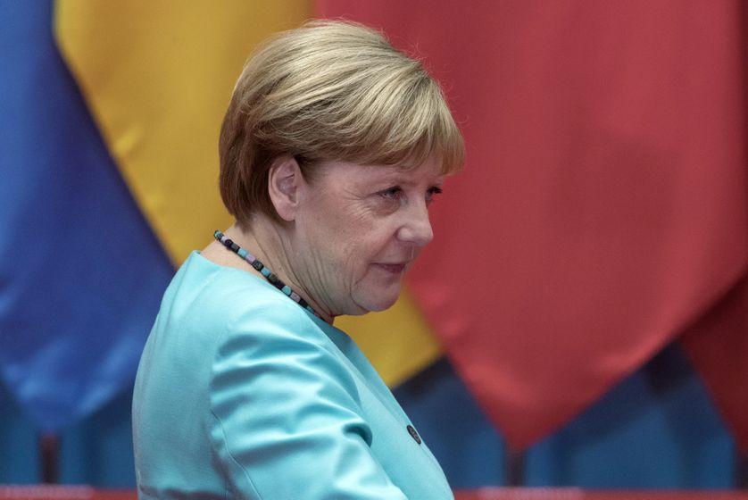 Accueillante envers les migrantes, la chancelière allemande, Angela Merkel, a vu son parti, la CDU, devancé par les populistes de l'AfD lors d'élections régionales