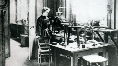 Épisode 4 : Marie Curie – Le radium à l'estomac