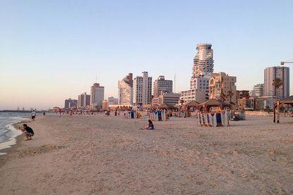La plage à Tel Aviv, Israël