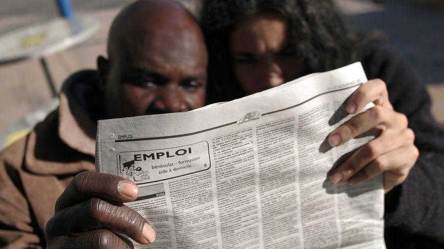 Discrimination A L Embauche Des Centaines De Personnes Temoignent