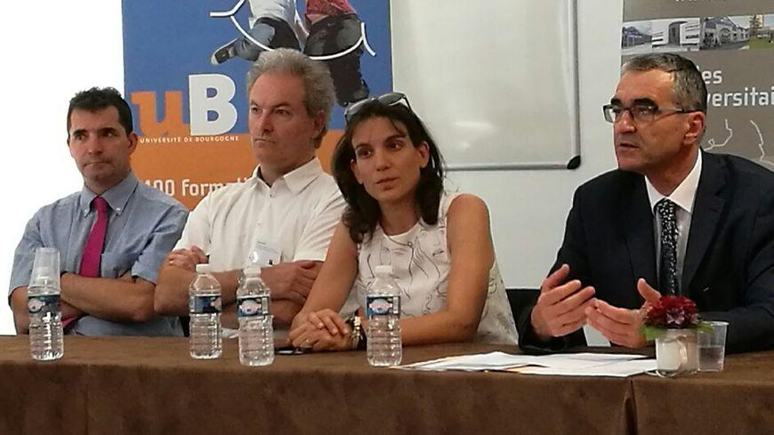 Alain Bonin (à droite), président de l'université de Bourgogne