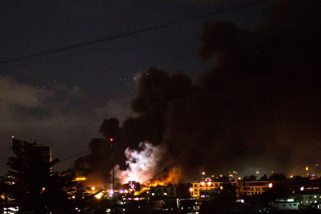 L'Assemblée nationale incendiée, dans la nuit de mercredi à jeudi