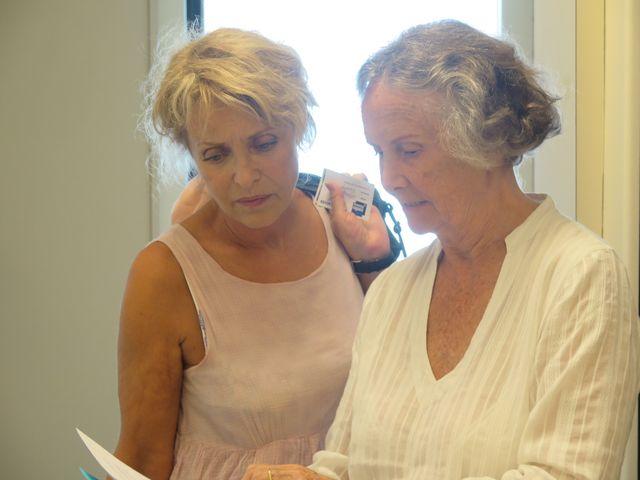 Fanny Cottençon et Catherine Lemire, la réalisatrice en pleines réllexions