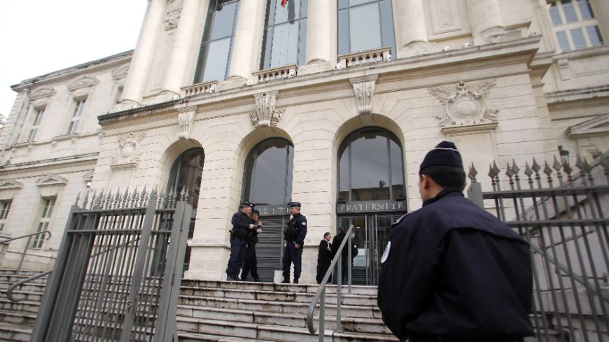 Début du procès du faux plombier devenu tueur à Nice