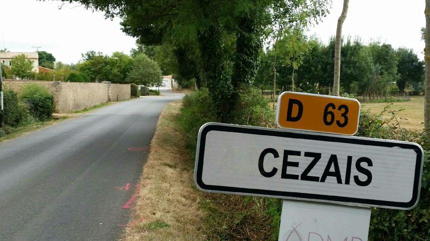 L'accident s'est produit juste à l'entrée de ce village de 300 habitants