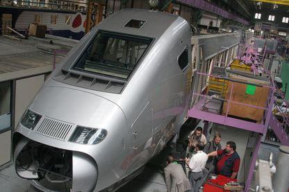 La première motrice TGV Est Européen à Belfort, dans l'usine d'Alstom