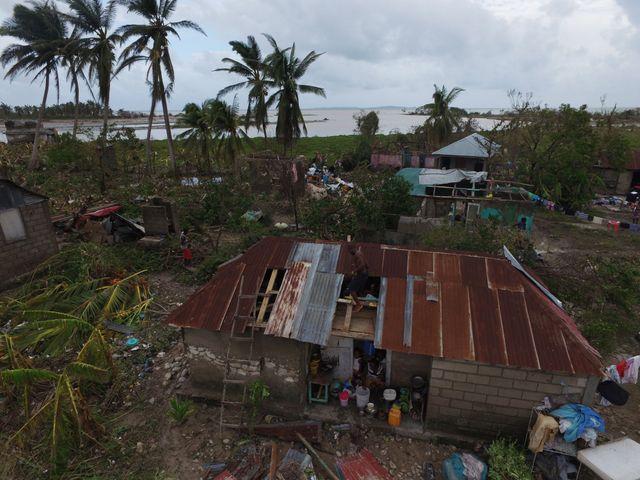 Des habitants ont d'ores et déjà commencé à reconstruire leurs maisons