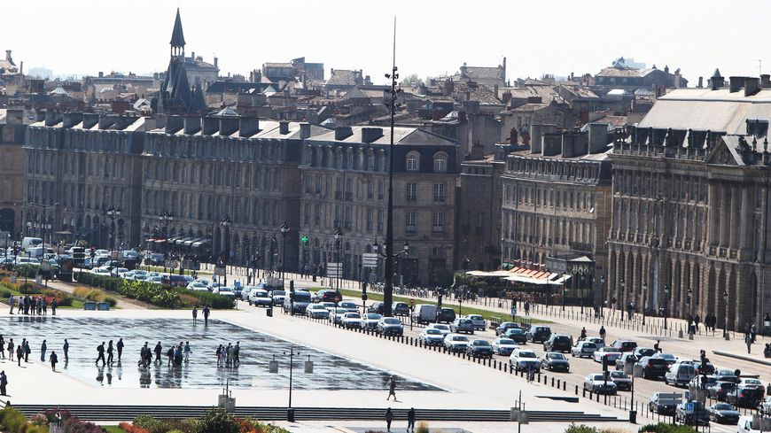 Bordeaux ville la plus tendance au monde selon le guide for Piscine de bordeaux