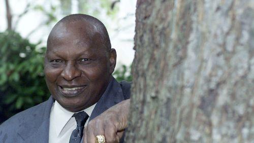 Ahmadou Kourouma (2/4) : Une case africaine dans la maison de Molière