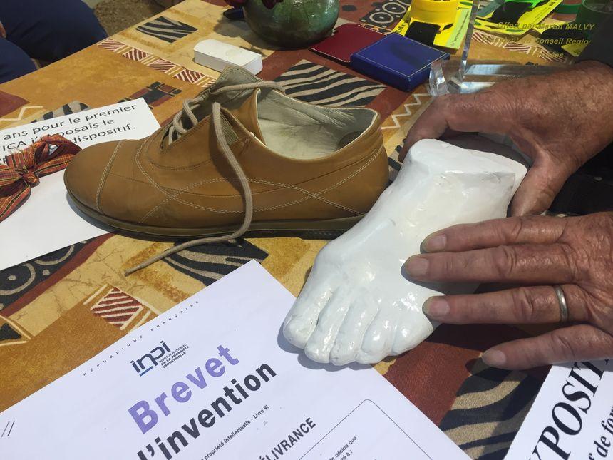 Henry a déposé un brevet pour ce moulage de pied