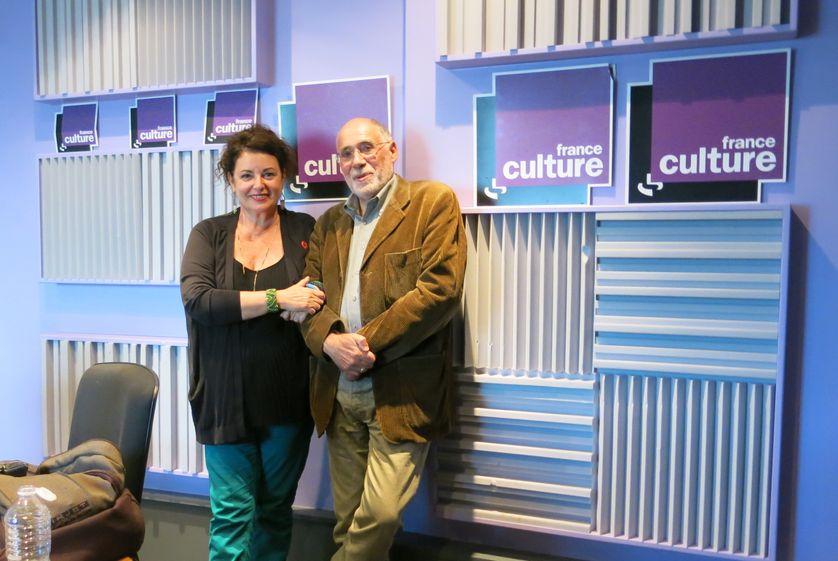 France Culture, studio 153, ambiance joyeuse... Aline Pailler, productrice & Gilles Ascaride, docteur en sociologie, écrivain, comédien (de g. à d.)
