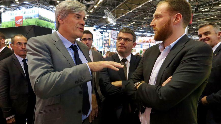 Thibault Ponthier, à droite, a reçu le ministre de l'Agriculture Stéphane Le Foll sur le stand de l'entreprise
