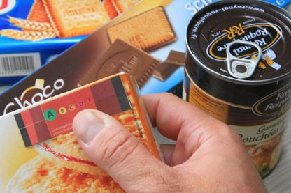 L'étiquetage nutritionnel prévu dans le projet de loi santé pour valoriser les produits bons pour la santé grâce à un code couleurs, tel que prévu en octobre 2014.