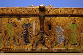 Cassette avec scènes d'amour courtois (1180)