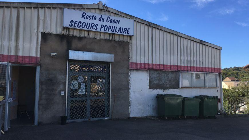 Le Secours Populaire d'Hayange n'ouvre plus que la petite porte du local.