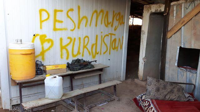 Un camp de perhmerga à moins de deux kilomètres d'une usine où se trouvent des djihadistes