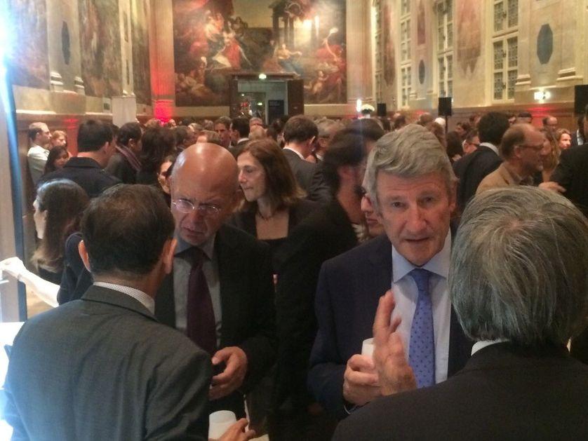Eric Zemmour (de dos), Patrick Buisson et Philippe de Villiers lors de la soirée organisée pour les 50 ans de la revue Valeurs Actuelles