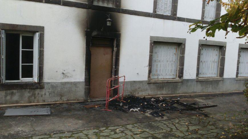 Le futur centre d'accueil et d'orientation des migrants incendié à Loubeyrat.