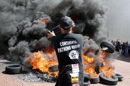 Les salariés de Continental de Clairvoix à Amiens le 2 juin 2009