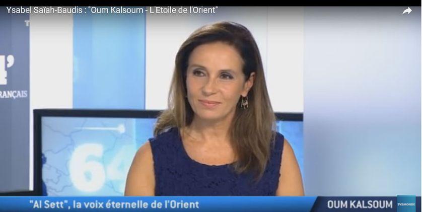 Ysabel Saïah-Baudis sur le plateau de TV5Monde présentant son ouvrage sur Oum Kalsoum