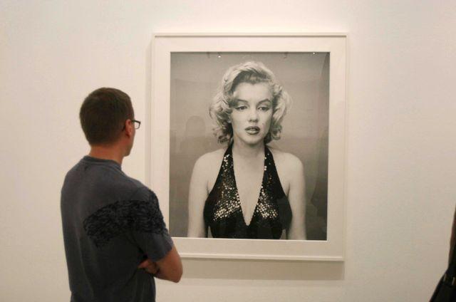 Portrait de Marilyn Monroe par Richard Avedon présenté lors de la première grande rétrospective de l'œuvre du photographe depuis sa mort en 2004. Jeu de Paume, Paris.
