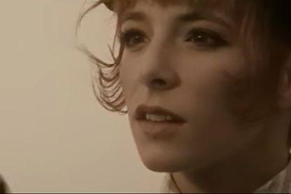 """Capture d'écran du clip """"Sans contrefaçon"""" de Mylène Farmer"""