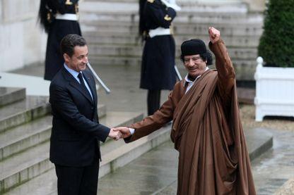 Mouammar Kadhafi reçu à l'Elysée le 10 décembre 2007 par Nicolas Sarkozy