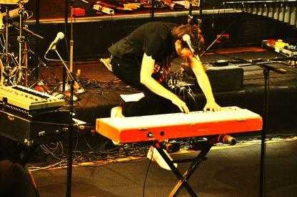 Il jouait du piano debout...(General Elektriks)
