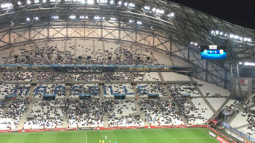 Même s'ils donnent de la voix, les supporters sont de moins en moins nombreux en cé début de saison à Marseille