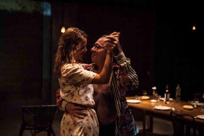 """Florence Viala (Elena), Hervé Pierre (Serebriakov) dans """"Vania"""" d'après Tchekov, mis en scène par Julie Deliquet"""