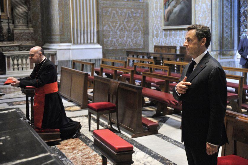 Nicolas Sarkozy et le Cardinal Dionigi Tettamanzi en 2010