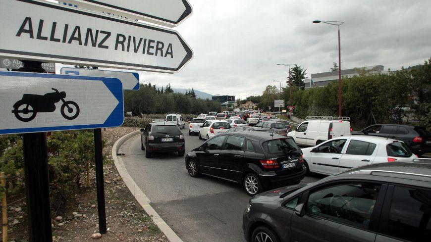 Bientôt la fin de la galère pour aller à l'Allianz Riviera ?