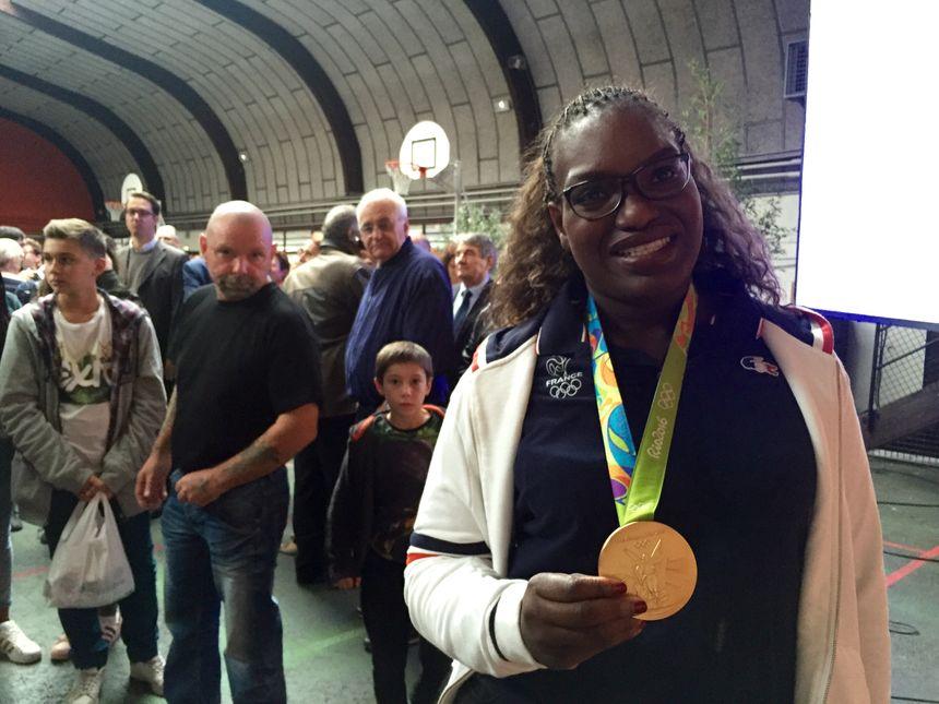 Émilie Andéol a apporté sa médaille d'or à Marcheprime