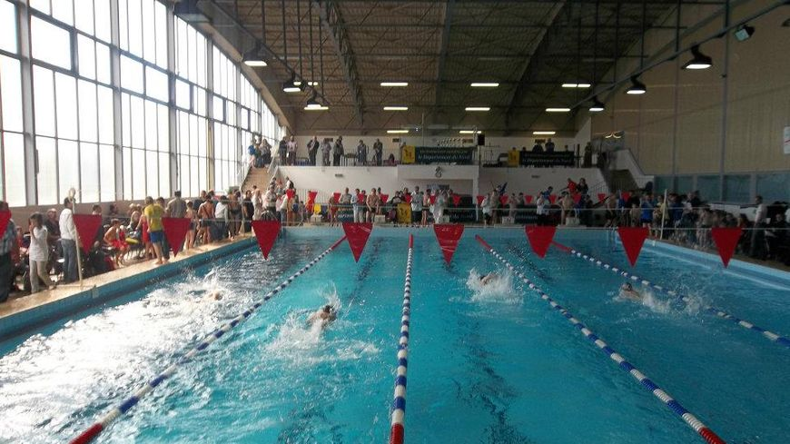 Nord la col re des usagers de la piscine d 39 avesnes sur for Piscine fourmies