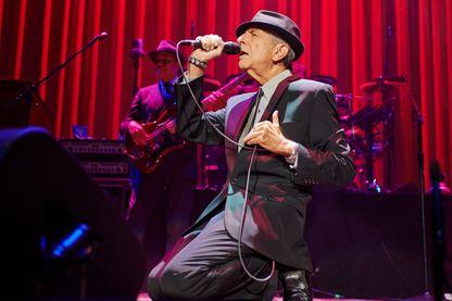 Leonard Cohen sur scène à Leeds Arena le 7 Septembre 2013