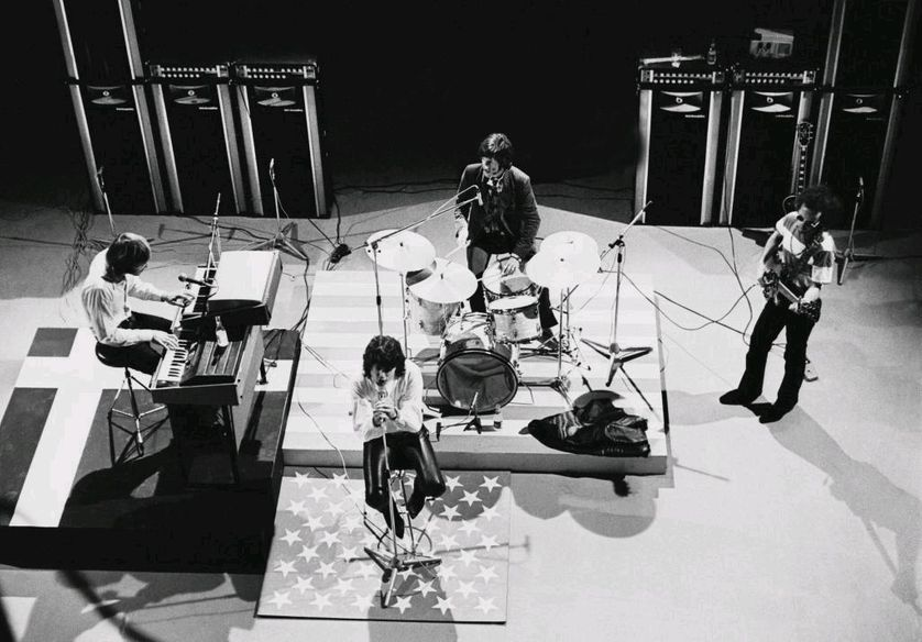 The Doors performant pour la télévision danoise en 1968