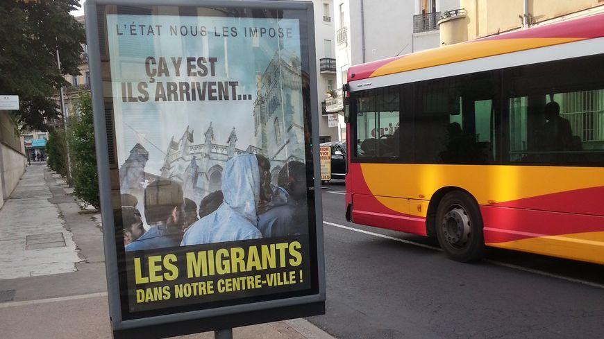 Les affiches anti-migrants ont été retirées à Béziers